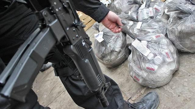 Уголовная ответственность за наркопреступления в России: постановление пленума верховного суда, меры наказания по статьям УК РФ за контрабанду, употребление, покупку и сбыт психотропных веществ