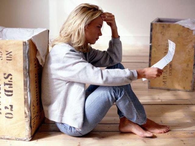 Принудительное выселение собственника за долги по коммунальным услугам: основания, процедура, судебная практика. Могут ли приставы забрать квартиру?