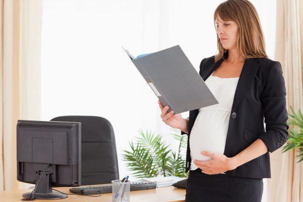 В каких случаях допускается увольнение беременной женщины по ТК РФ? Истечение срочного трудового договора, испытательный срок, ликвидация организации, по статье за прогул, по собственному желанию