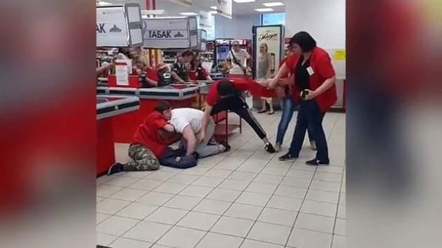 Хамство в магазинах: как законно противостоять продавцам-хамам и можно ли привлечь их к ответственности?