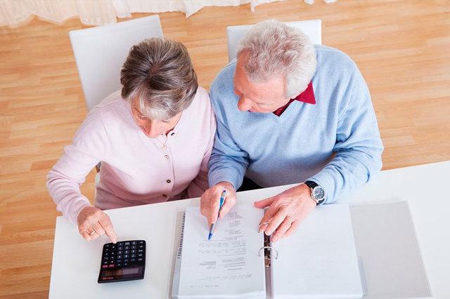 Льготы и субсидии по оплате коммунальных услуг для пенсионеров: порядок оформления и документы необходимые для компенсации расходов по квартплате