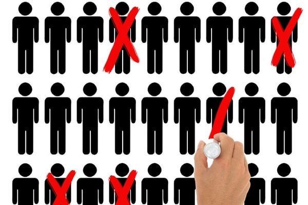 Уведомление о сокращении штата работника и центра занятости: срок вручения, образцы бланков, отзыв