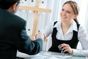 Трудовой договор ИП с продавцом: порядок составления, образец бланка, соглашение о материальной ответственности кассира