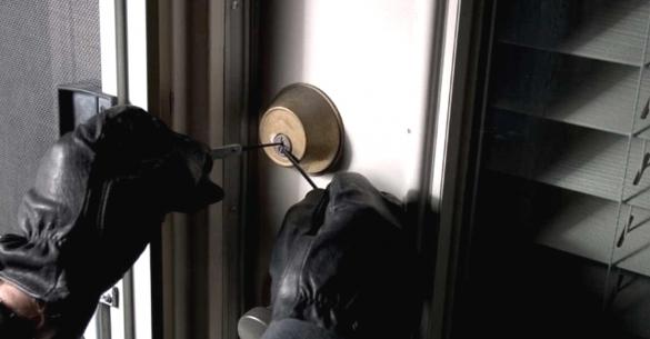 Профилактика краж: как защитить дачу от воровства, как доказать кражу денег, борьба с квартирными кражами, образец заявления в полицию