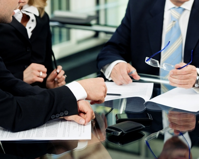 Трудовой договор с генеральным директором ООО: порядок оформления и расторжения, образец документа