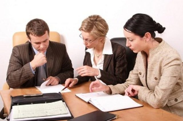 Начисление заработной платы: порядок расчета, документальное оформление, налоги, образец уведомления об изменении условий
