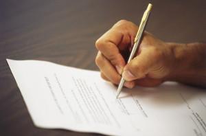 Срочный трудовой договор с работником: основания для заключения, порядок оформления и образец бланка