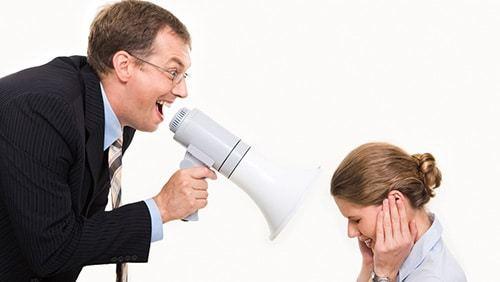 Оскорбление по телефону: определение правонарушения и виды ответственности, сбор необходимых доказательств