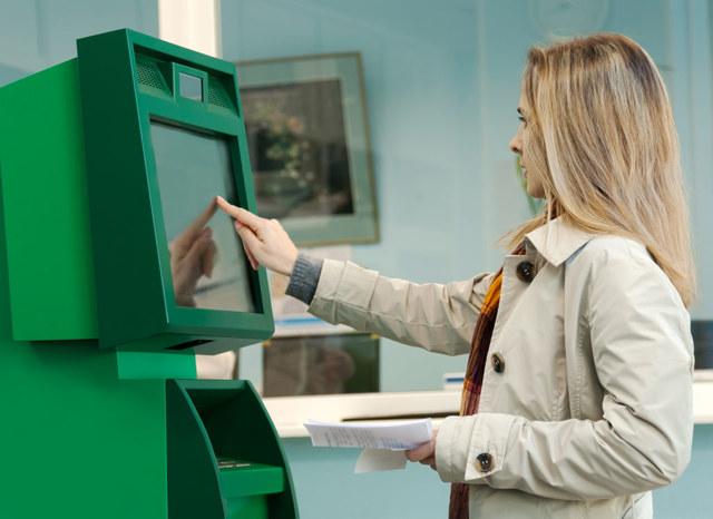 Обязан ли работодатель выплатить три оклада при сокращении сотрудника? Гарантии и компенсации
