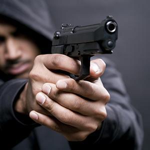 Угроза применения насилия в отношении сотрудника полиции и представителя власти: меры ответственности и сбор доказательств