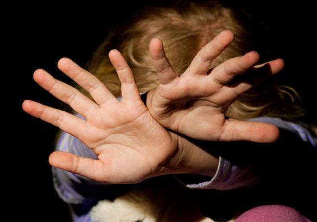 Ненадлежащее воспитание детей: административная и уголовная ответственность родителей за неисполнение своих обязанностей