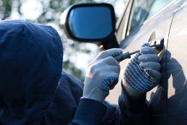 Заявление об угоне автомобиля: образец, правила составления, сроки рассмотрения и необходимые документы