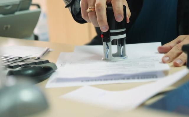 Как правильно заверить копию трудового договора? Правила оформления и образец документа