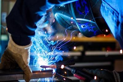 Уведомление о расторжении трудового договора: образец формы и срок предупреждения работника