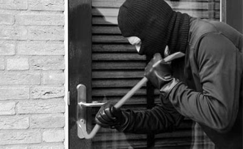 Угроза порчи имущества: нормативное регулирование ответственности и порядок действий для защиты
