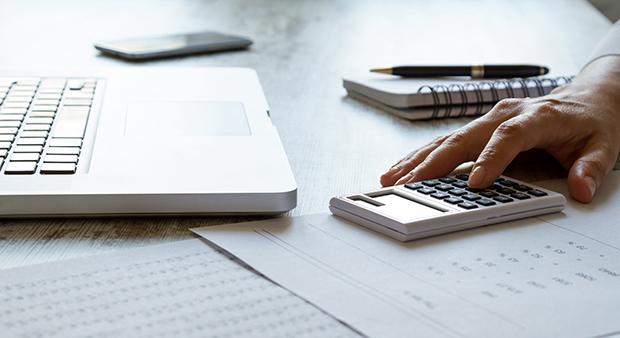 Как рассчитать зарплату по дням и часам? Применение тарифной ставки, формулы, калькулятор-онлайн