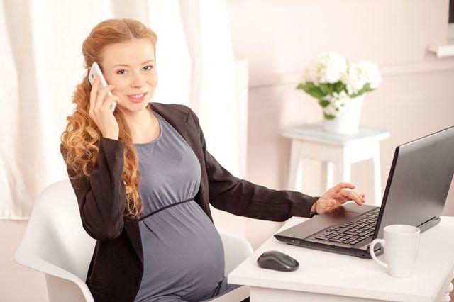 Сроки выплаты больничного по беременности и родам: когда и кто производит выдачу декретных пособий, как рассчитать их размер?