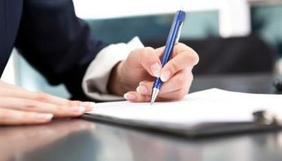 Входит ли по закону больничный в трудовой и страховой стаж работы: учитывается ли при начислении пенсии?