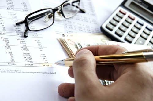Какие справки и документы должен выдать работодатель сотруднику при увольнении по собственному желанию в 2020 году?