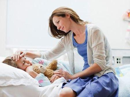 Больничный по уходу за ребенком папе: когда и как можно оформить и к каким сложностям готовиться?