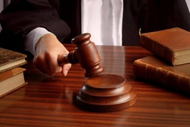 Угрозы, запугивание и шантаж: порядок действий для назначения ответственности, виды правонарушений и законодательное регулирование