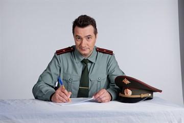 Порядок увольнения с военной службы по окончанию контракта: пребывание в запасе, положенные выплаты