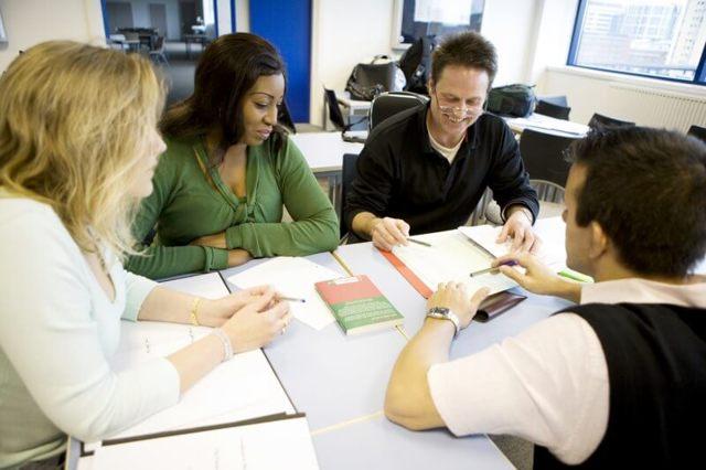 Процедура внесения изменений в коллективный договор: порядок действий и образец оформления