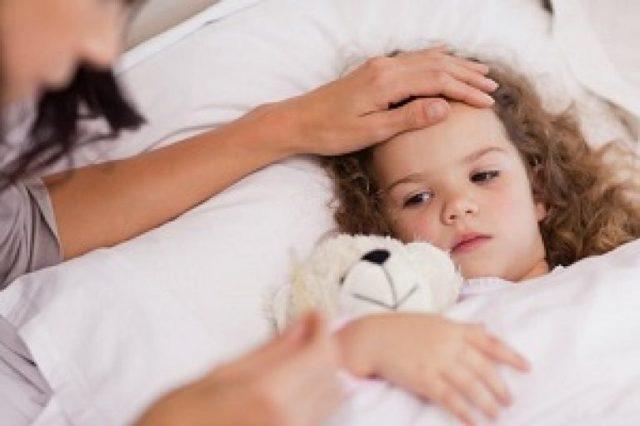 Больничный по уходу за ребенком во время декретного отпуска: как оплачивается и продлевается ли отдых?