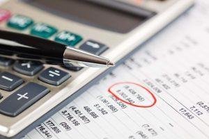 Как рассчитать среднедневной заработок при увольнении: формула и онлайн калькулятор?