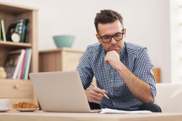 Порядок увольнения сотрудника день в день по собственному желанию: подача заявления, запись в трудовой книжке, расчет выплат